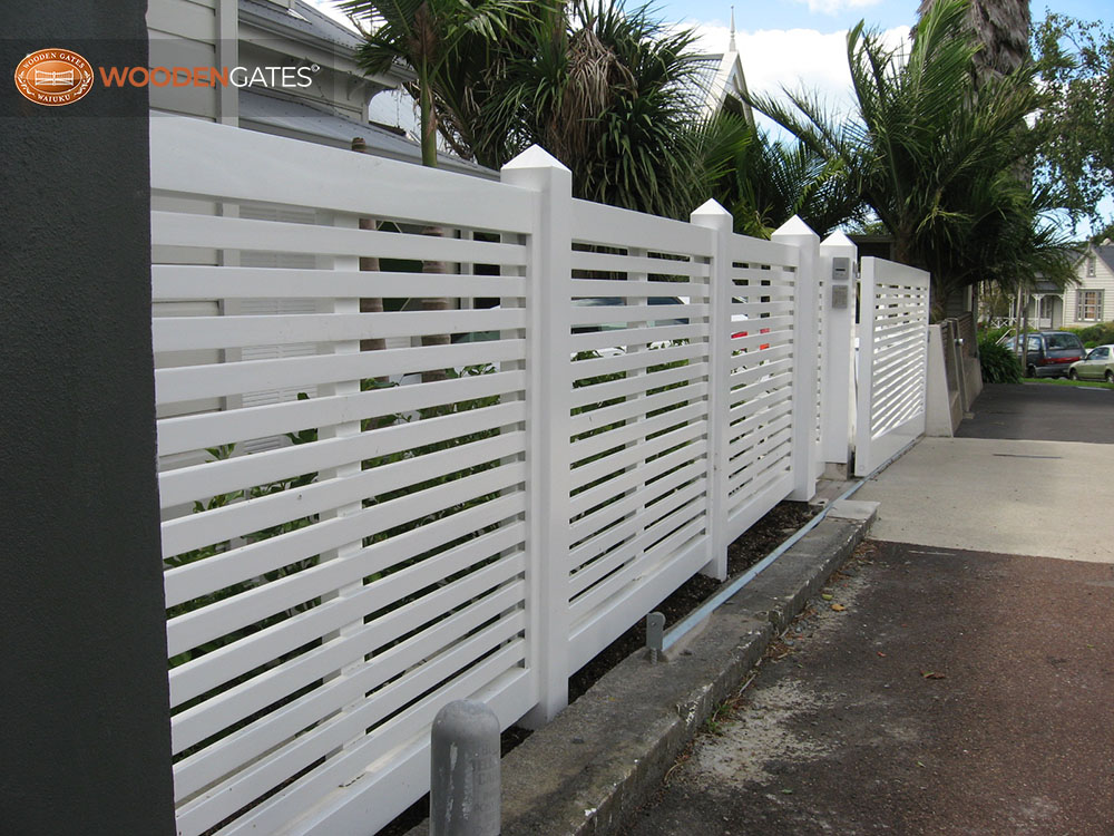 "#VEI03- With its matching fence panels<br /><span>Vienna 03</span><br /><a href=""/enquiry/?about=VEI03- With its matching fence panels"">ENQUIRE ABOUT THIS >></a><span class=""ug-icon-favorite "" data-id=""2151"" id=""spanFavorite2151"" title=""Add to My list""></span>"