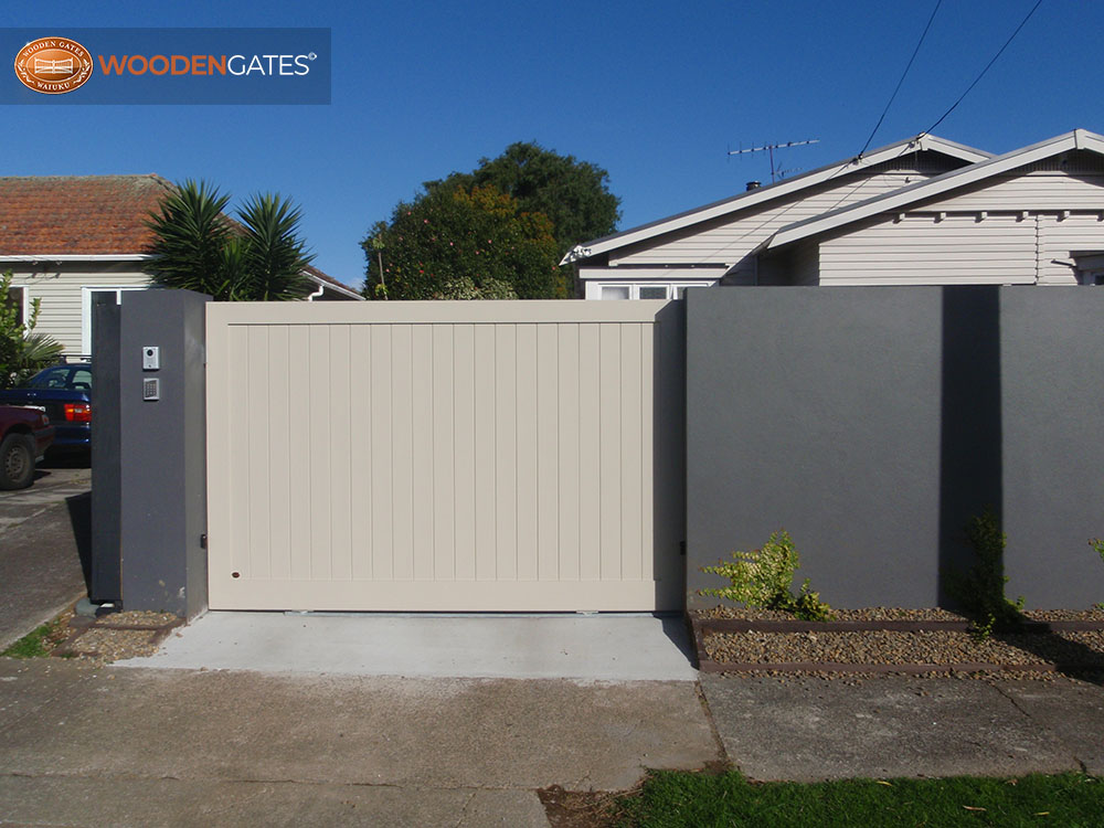 """#CIT03- Light grey pine sliding City gate<br /><span>City 03</span><br /><a href=""""/enquiry/?about=CIT03- Light grey pine sliding City gate"""">ENQUIRE ABOUT THIS >></a><br /><a href=""""#""""  data-id=""""https://woodengates2-px.rtrk.co.nz/i/CityGates/P9020158.JPG"""" class=""""print-this-image"""">PRINT THIS IMAGE >></a><span class=""""ug-icon-favorite """" data-id=""""2100"""" id=""""spanFavorite2100"""" title=""""Add to My list""""></span>"""