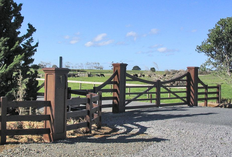 Clevedon Xl Wooden Gates Fences Driveway Gates Wooden
