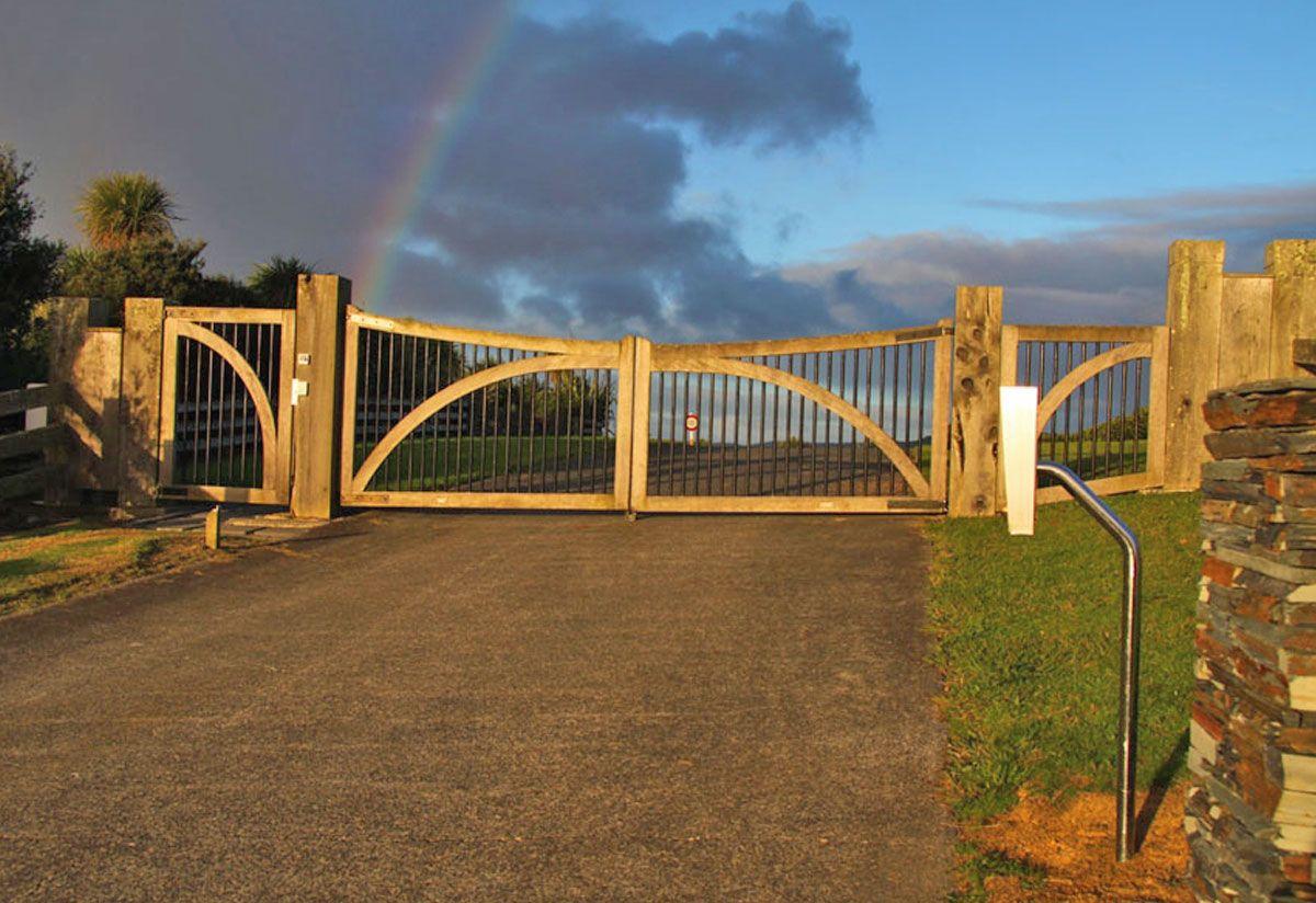 Commercial Wooden Gates Fences Driveway Gates Wooden