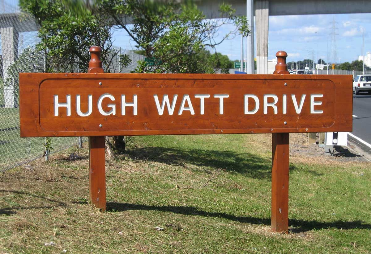 """Signage on way to Auckland Airport<br /><a href=""""/enquiry/?about=Signage on way to Auckland Airport"""">ENQUIRE ABOUT THIS >></a><br /><a href=""""#""""  data-id=""""https://woodengates2-px.rtrk.co.nz/i/Images/CommercialGallery/Sign.jpg"""" class=""""print-this-image"""">PRINT THIS IMAGE >></a><span class=""""ug-icon-favorite """" data-id=""""27"""" id=""""spanFavorite27"""" title=""""Add to My list""""></span>"""