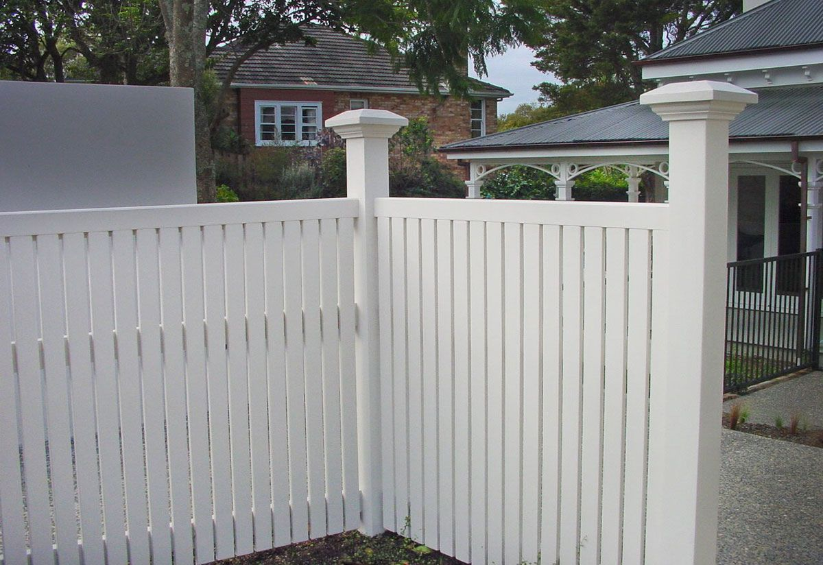"#04 Bradford Fence-old style <br /><span>Bradford Fence 04</span><br /><a href=""/enquiry/?about=04 Bradford Fence-old style "">ENQUIRE ABOUT THIS >></a><span class=""ug-icon-favorite "" data-id=""71"" id=""spanFavorite71"" title=""Add to My list""></span>"