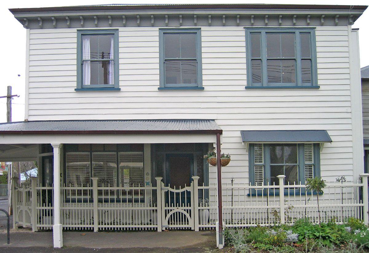 Wooden fencing ideas joy studio design gallery best design for Colonial fence designs