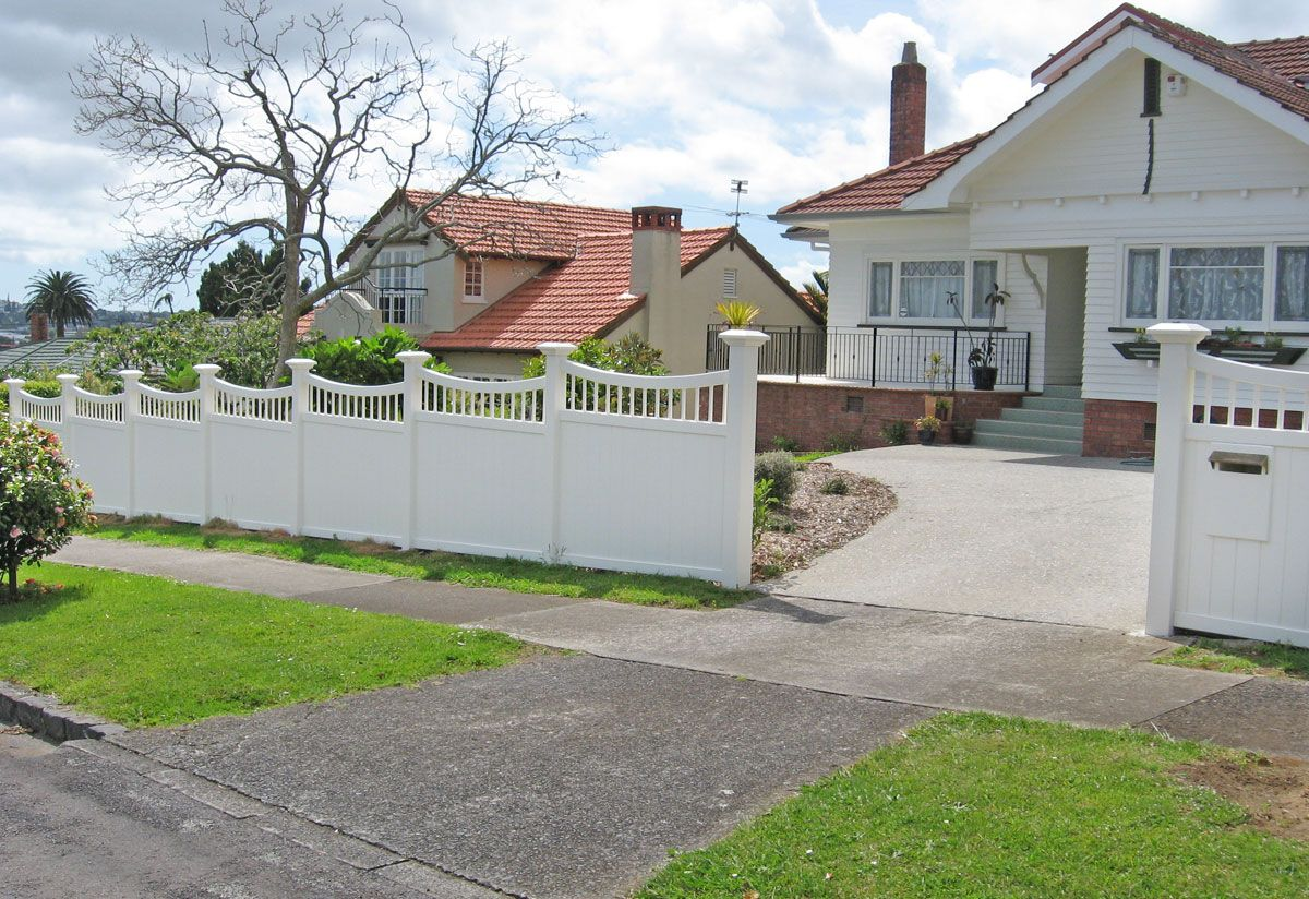 "Custom Fence Gallery_3<br /><span>Custom Fence 03</span><br /><a href=""/enquiry/?about=Custom Fence Gallery_3"">ENQUIRE ABOUT THIS >></a><span class=""ug-icon-favorite "" data-id=""99"" id=""spanFavorite99"" title=""Add to My list""></span>"
