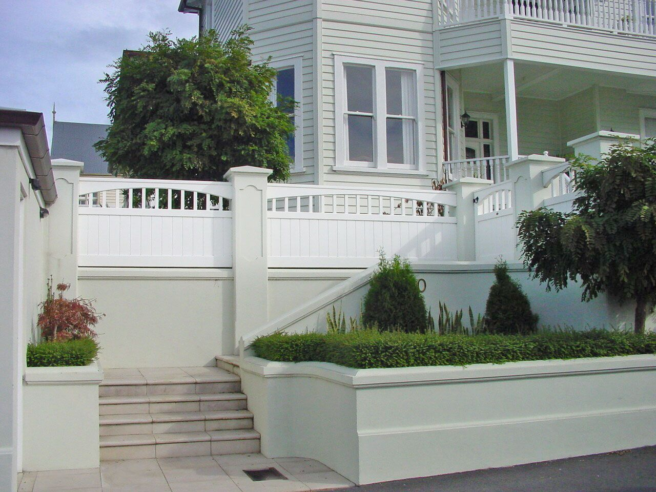 "Custom Fence Gallery_4<br /><span>Custom Fence 04</span><br /><a href=""/enquiry/?about=Custom Fence Gallery_4"">ENQUIRE ABOUT THIS >></a><span class=""ug-icon-favorite "" data-id=""100"" id=""spanFavorite100"" title=""Add to My list""></span>"