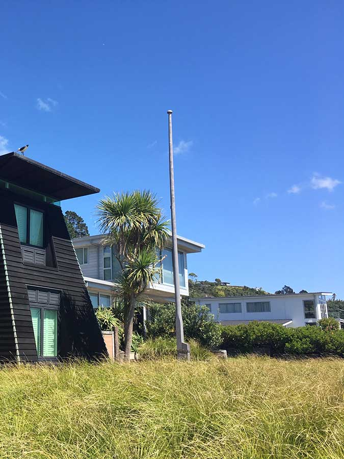 """Waiheke Island Flag Pole<br /><span>Flagpole 05</span><br /><a href=""""/enquiry/?about=Waiheke Island Flag Pole"""">ENQUIRE ABOUT THIS >></a><br /><a href=""""#""""  data-id=""""https://woodengates2-px.rtrk.co.nz/i/Images/FlagPoles/Flagpole_Waiheke_Auck_Landscapes.jpg"""" class=""""print-this-image"""">PRINT THIS IMAGE >></a><span class=""""ug-icon-favorite """" data-id=""""2032"""" id=""""spanFavorite2032"""" title=""""Add to My list""""></span>"""