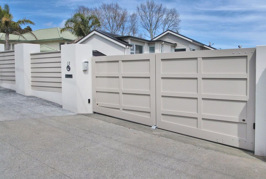 Bottom Sloped Wooden Gates Fences Driveway Gates Wooden