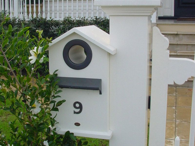 """Letterbox_4 Boston<br /><span>Letterbox 04</span><br /><a href=""""/enquiry/?about=Letterbox_4 Boston"""">ENQUIRE ABOUT THIS >></a><br /><a href=""""#""""  data-id=""""https://woodengates2-px.rtrk.co.nz/i/Images/Purpose/Gallery/Letterbox_4.jpg"""" class=""""print-this-image"""">PRINT THIS IMAGE >></a><span class=""""ug-icon-favorite """" data-id=""""941"""" id=""""spanFavorite941"""" title=""""Add to My list""""></span>"""