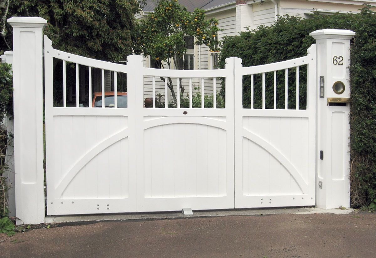 Uneven Split Wooden Gates Fences Driveway Gates Wooden