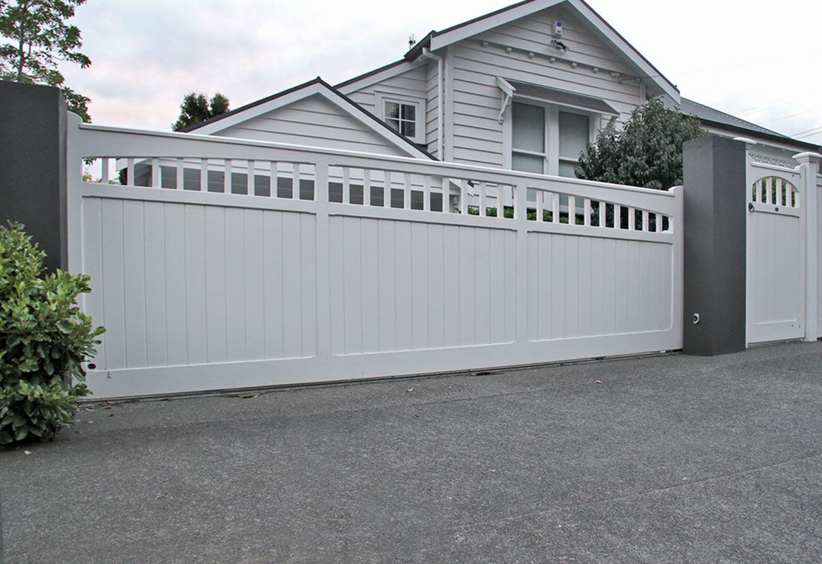 Hampton : Wooden Gates Fences Driveway Gates Wooden Gate