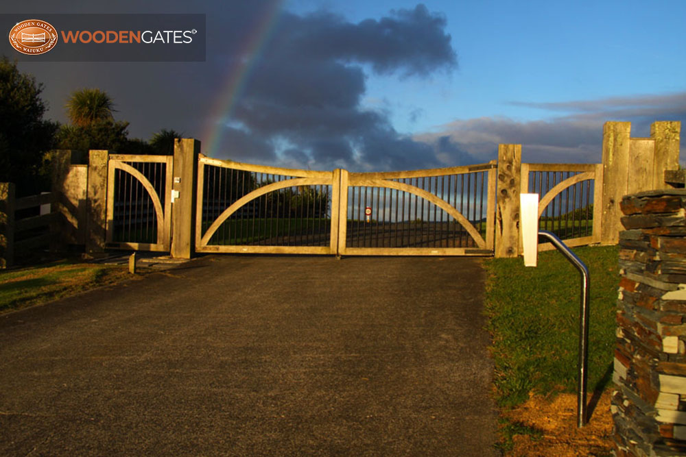 """#WH04- Under the rainbow Whitford gates<br /><span>Whitford 04</span><br /><a href=""""/enquiry/?about=WH04- Under the rainbow Whitford gates"""">ENQUIRE ABOUT THIS >></a><br /><a href=""""#""""  data-id=""""https://woodengates2-px.rtrk.co.nz/i/countryupload/RainbowatWhitford.JPG"""" class=""""print-this-image"""">PRINT THIS IMAGE >></a><span class=""""ug-icon-favorite """" data-id=""""2086"""" id=""""spanFavorite2086"""" title=""""Add to My list""""></span>"""