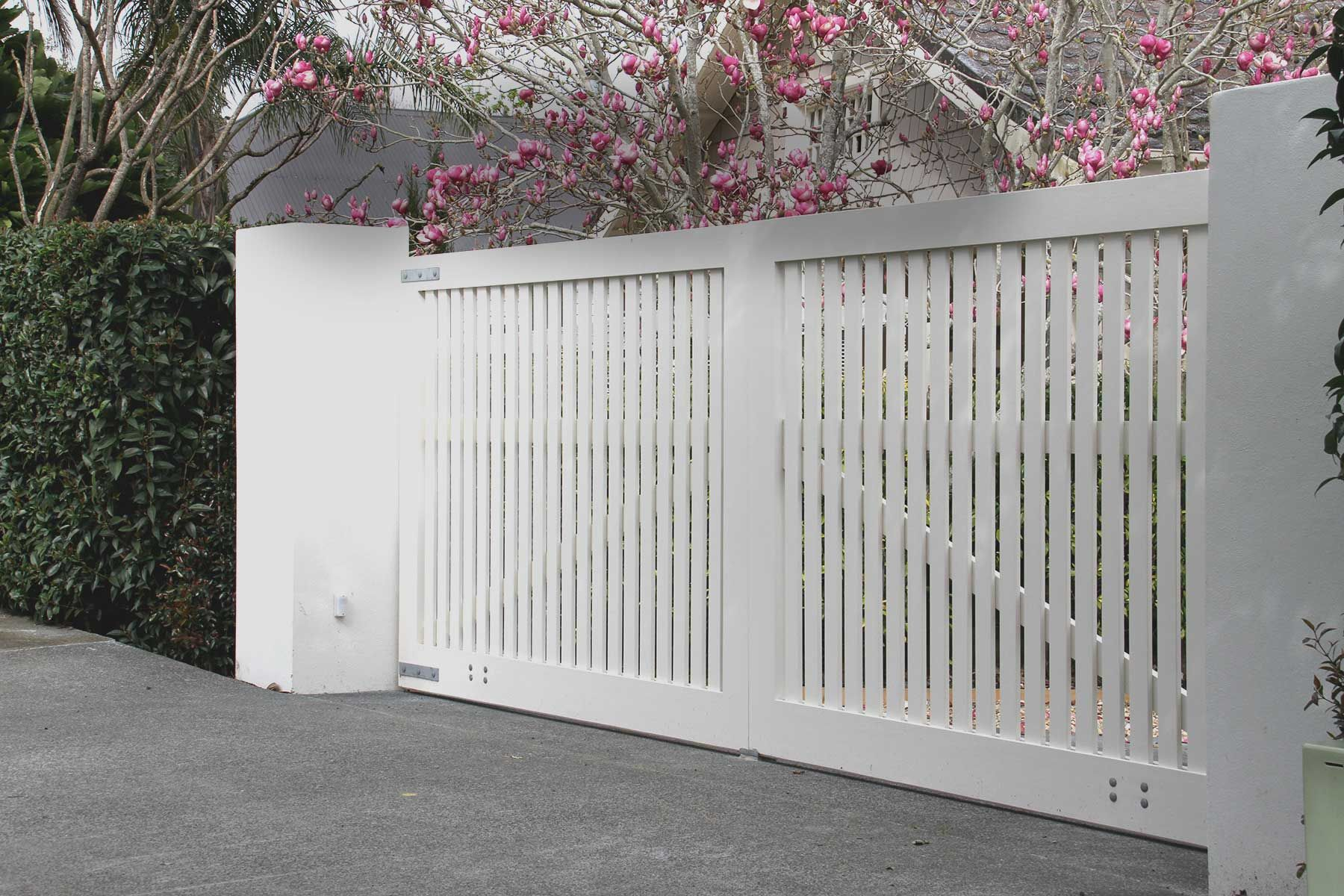 Automated wooden gates for New Zealand homes and businesses : Wooden ...