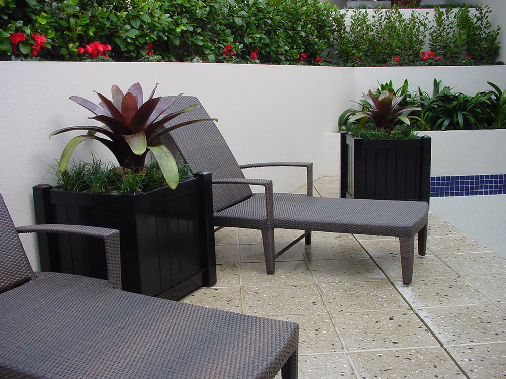 """Planter 11<br /><span>Planter 11</span><br /><a href=""""/enquiry/?about=Planter 11"""">ENQUIRE ABOUT THIS >></a><br /><a href=""""#""""  data-id=""""https://woodengates2-px.rtrk.co.nz/i/missingphotos/Diplomat1.jpg"""" class=""""print-this-image"""">PRINT THIS IMAGE >></a><span class=""""ug-icon-favorite """" data-id=""""2552"""" id=""""spanFavorite2552"""" title=""""Add to My list""""></span>"""