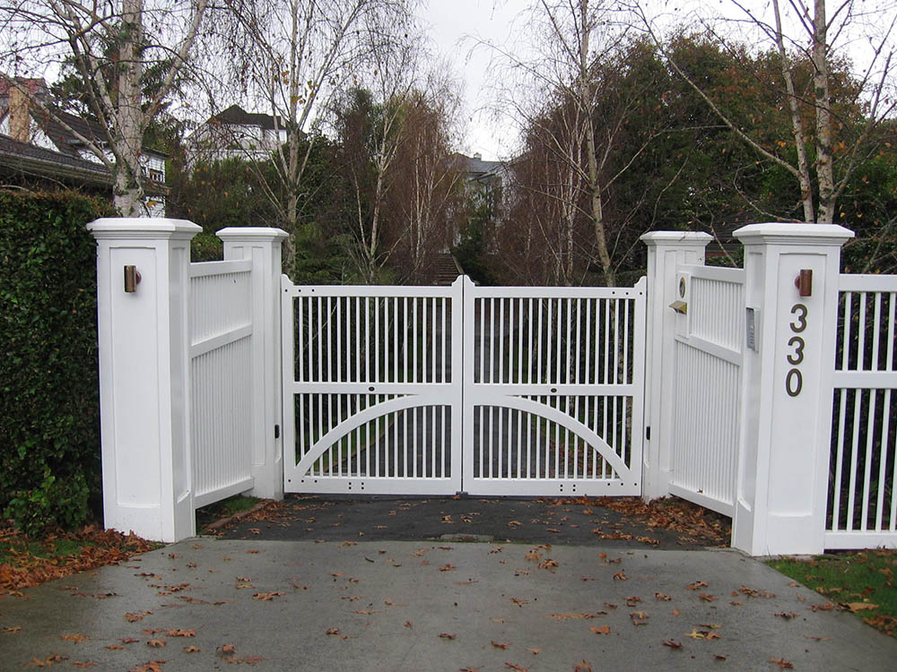 "#CC03_ Contempory Colonial with matching fence and hollow pillars<br /><span>Contempory Colonial 03</span><br /><a href=""/enquiry/?about=CC03_ Contempory Colonial with matching fence and hollow pillars"">ENQUIRE ABOUT THIS >></a><span class=""ug-icon-favorite "" data-id=""2424"" id=""spanFavorite2424"" title=""Add to My list""></span>"