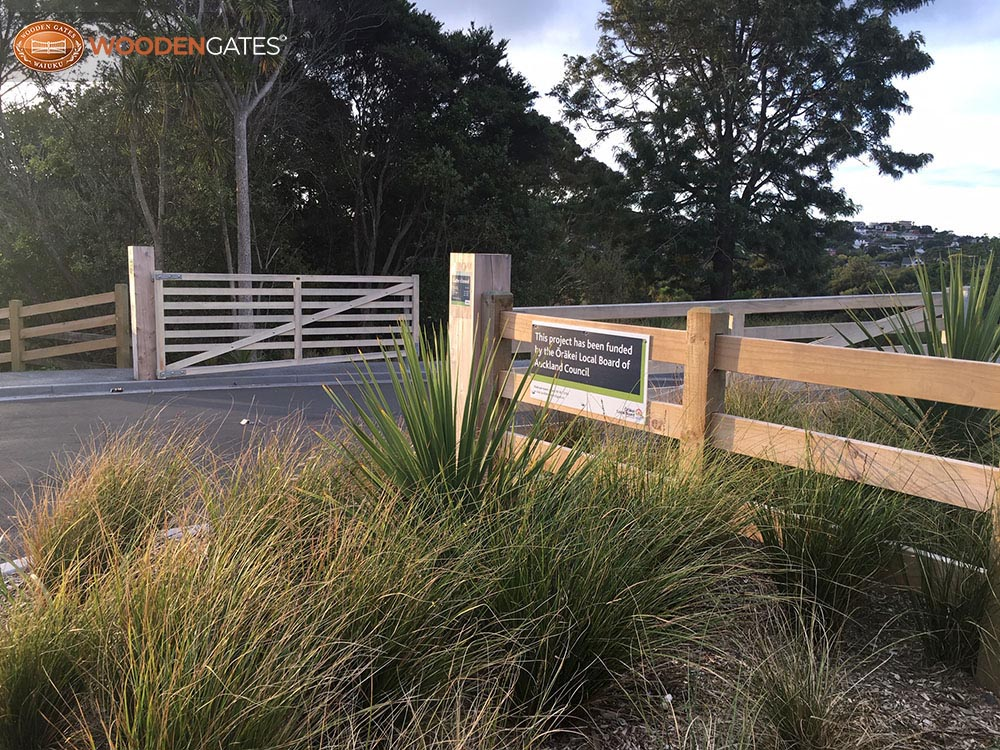 """Waitarua Reserve<br /><a href=""""/enquiry/?about=Waitarua Reserve"""">ENQUIRE ABOUT THIS >></a><br /><a href=""""#""""  data-id=""""https://woodengates2-px.rtrk.co.nz/i/oversizeselection/WaitaruaReserve4.jpg"""" class=""""print-this-image"""">PRINT THIS IMAGE >></a><span class=""""ug-icon-favorite """" data-id=""""2390"""" id=""""spanFavorite2390"""" title=""""Add to My list""""></span>"""